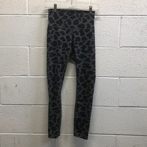 Black and gray pattern hi waist crops sz 4 63672